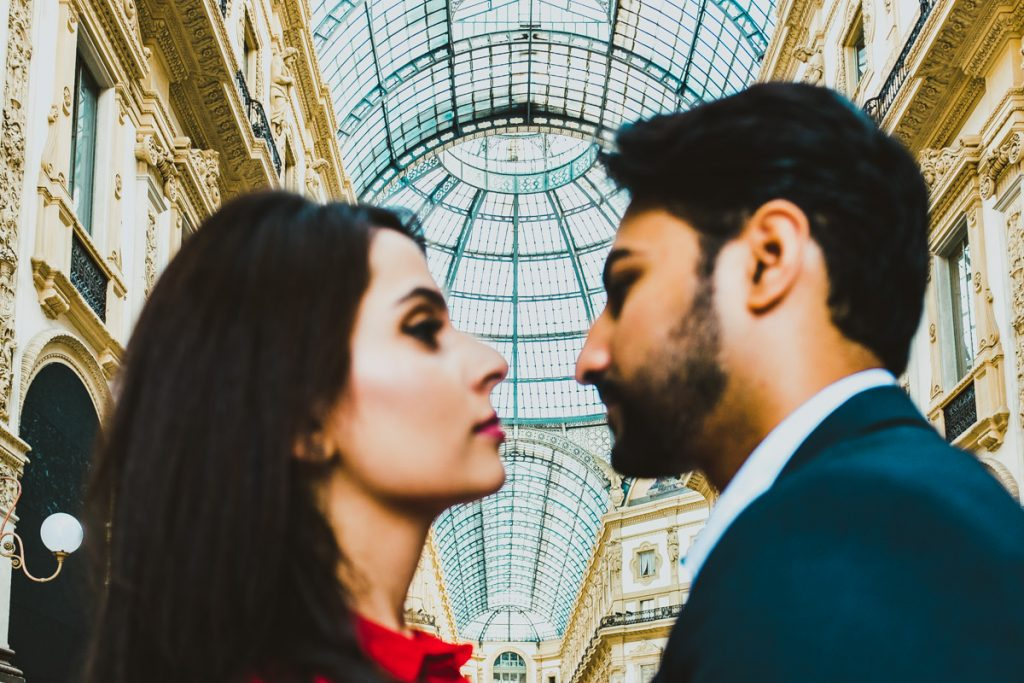 engagement photo session in Galleria Vittorio Emanuele